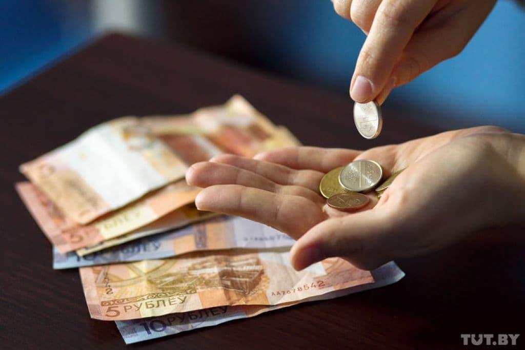 До 100 рублей в месяц. Белорусы смогут занять до получки у мобильного оператора