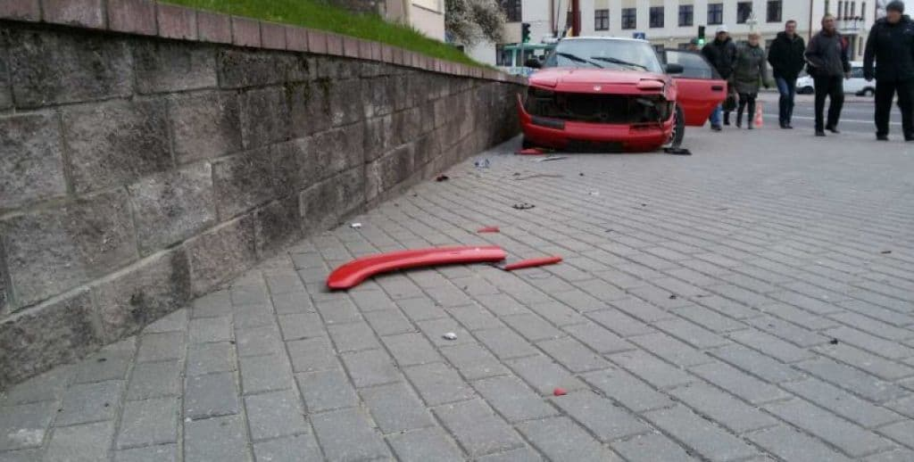 В Гродно нетрезвый водитель, уходя от погони, сбил женщину. Пострадавшая скончалась