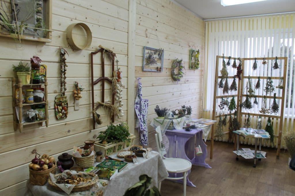 «Ароматная» выставка открылась в экологическом центре в Лиде
