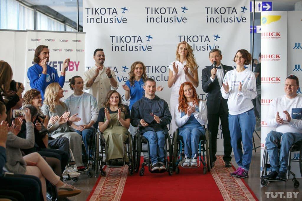 Наташа Астанина и Саша Авдевич приняли участие в показе одежды для инвалидов-колясочников