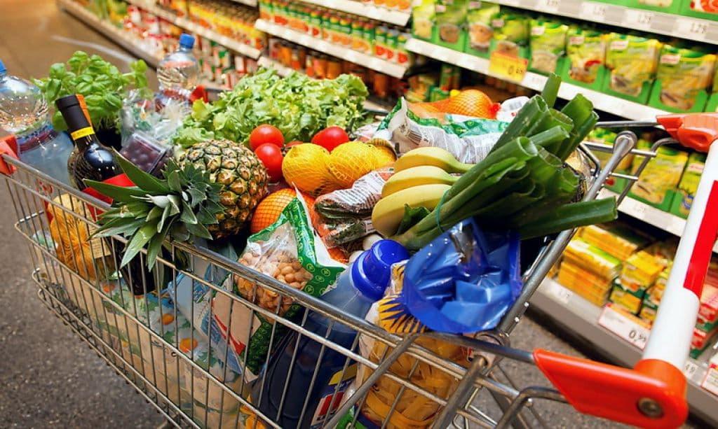 Овощи и фрукты в октябре в Беларуси подорожали, сахар и кофе подешевели