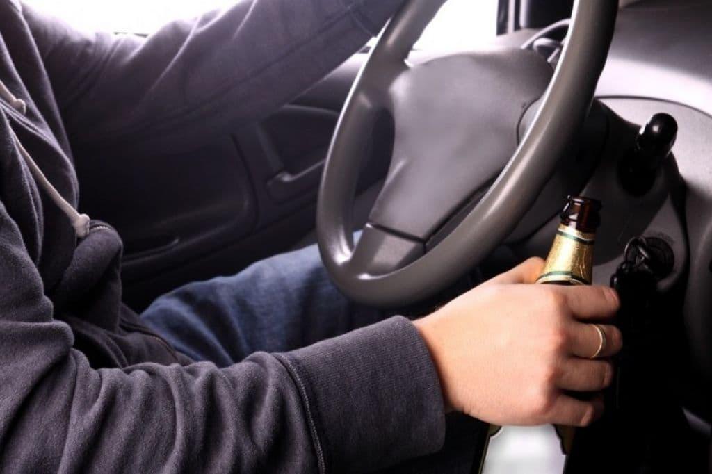 Пьяный лидчанин решил съездить на угнанном авто на озеро