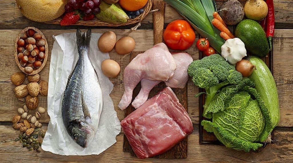 Овощи и фрукты в июле подешевели, рыба и молоко незначительно подорожали