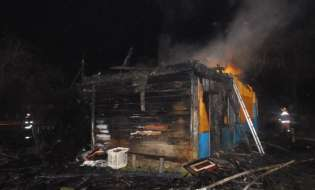 В Лиде на пожаре погиб мужчина, второй пострадавший в реанимации