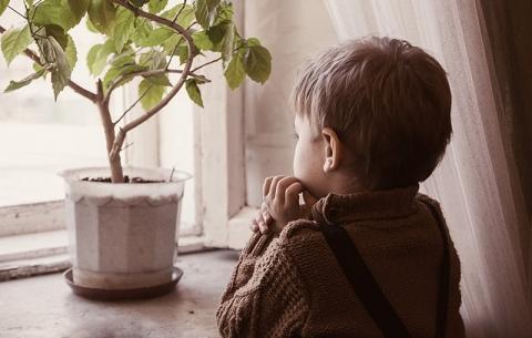Забрать нельзяоставить.Как дети оказываются сиротами при живых родителях?И есть ли шанс всё исправить?..