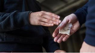 Лидчанину грозит до 10 лет за склонение к употреблению наркотиков