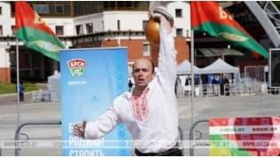 Спортсмен Евгений Назаревич из Гродно установил мировой рекорд в поднятии 50-килограммовой гири
